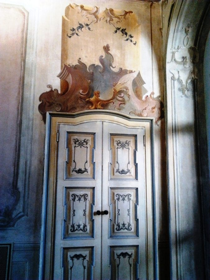 Affori-Villa-Litta-Modignani-restaurata-porte-antiche-e-affrescati-al-piano-terreno